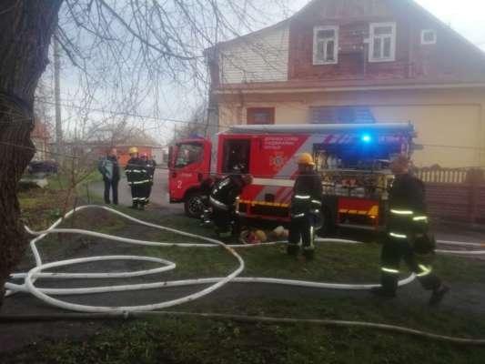 В Луцке случился пожар в частном доме: три человека сгорело заживо