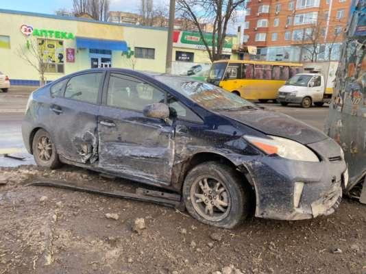 В Одесі п'яний водій збив на переході двох дітей. Фото