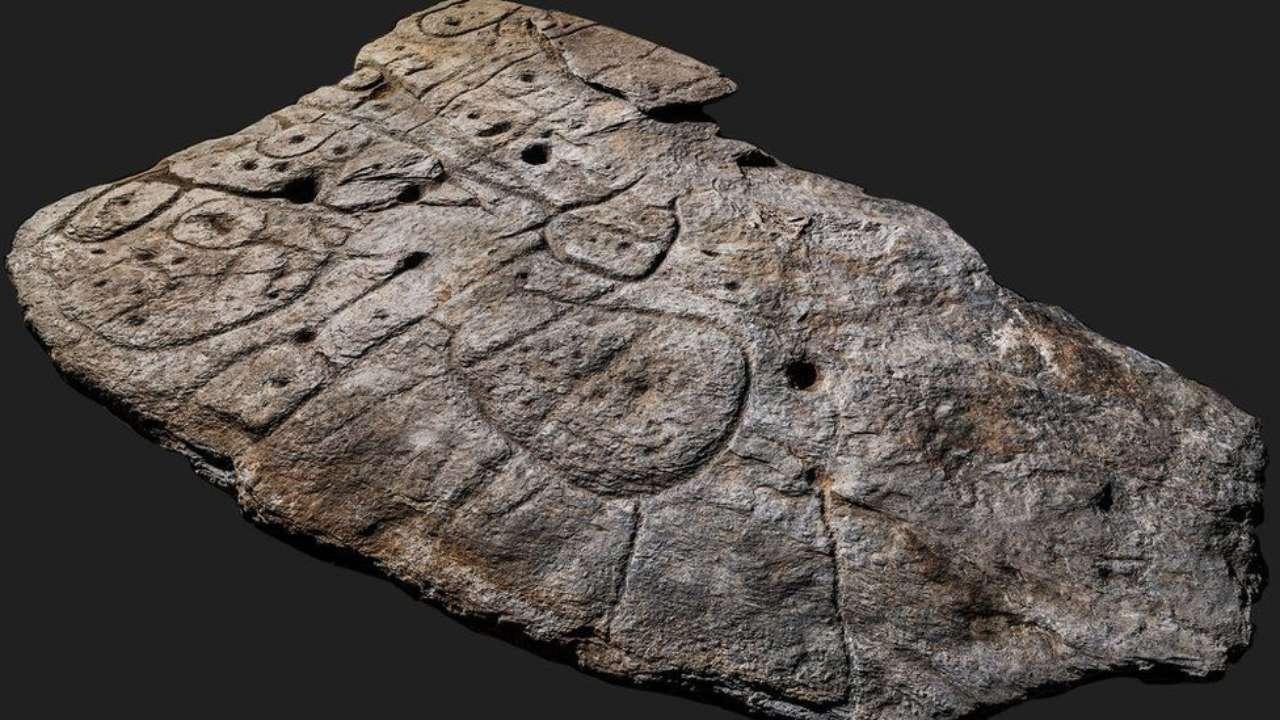Во Франции нашли древнейшую европейскую каменную карту