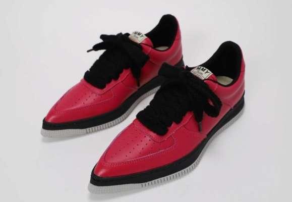 в Японии выпустили необычную обувь