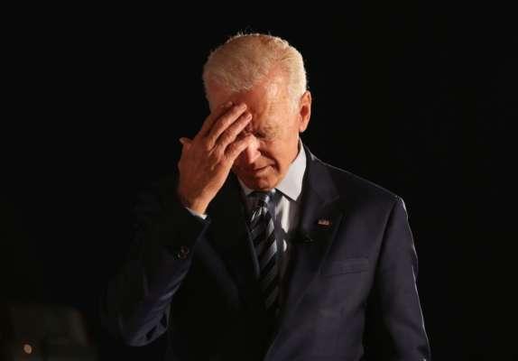 Черговий конфуз Джо Байдена: президент не зміг прочитати текст з телесуфлера. Відео