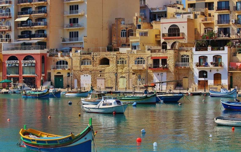 Власти Мальты будут платить туристам по 200 евро