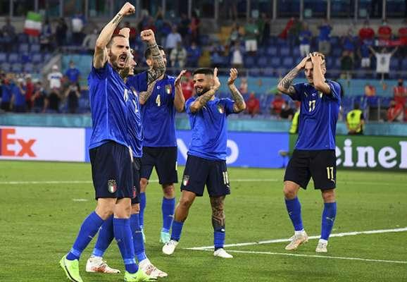 Италия легко справилась со Швейцарией и оформила выход в плей-офф