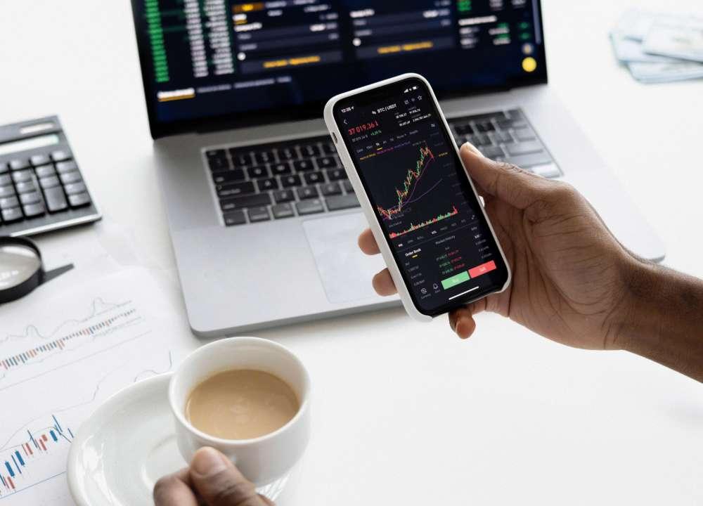 Аналітика вартості валют