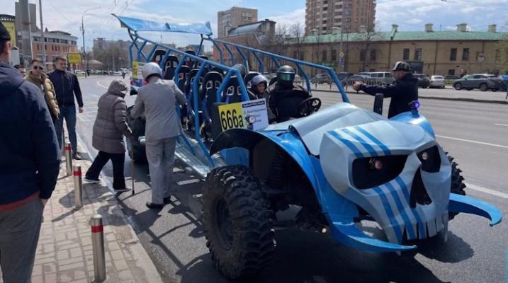 в Киеве запустили адскую маршрутку