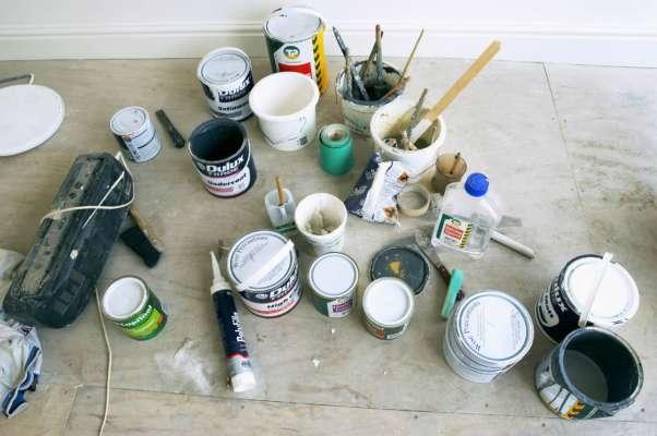 Мужчина решил покрасить смотровую яму в гараже. Он умер, надышавшись токсичных испарений