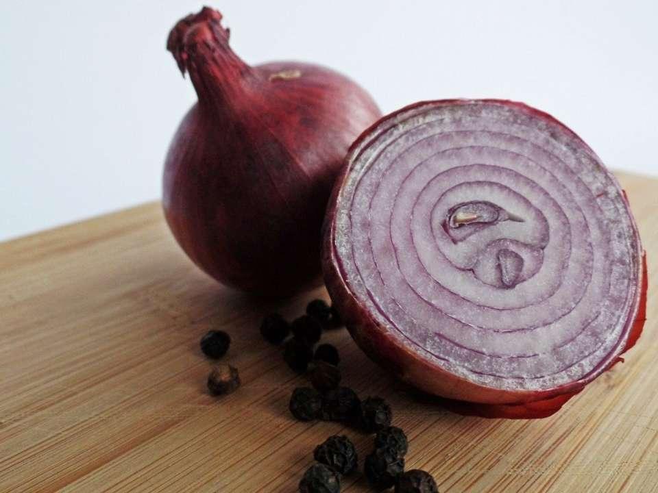 Медики обнаружили полезные свойства красного лука