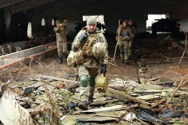 Российские наемники ранили украинского военного на Донбассе