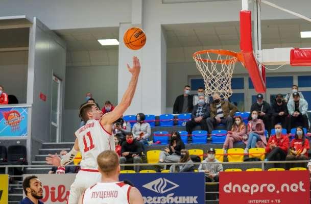 Стартує баскетбольний сезон. Будівельник і Прометей розіграють Суперкубок України