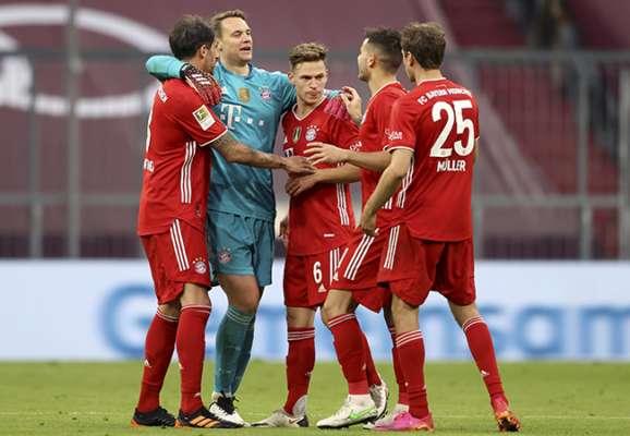Отметили чемпионство. Бавария разгромила Гладбах, а Левандовски в шаге от рекорда Герда Мюллера