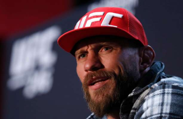 Серроне проведет в UFC еще один бой