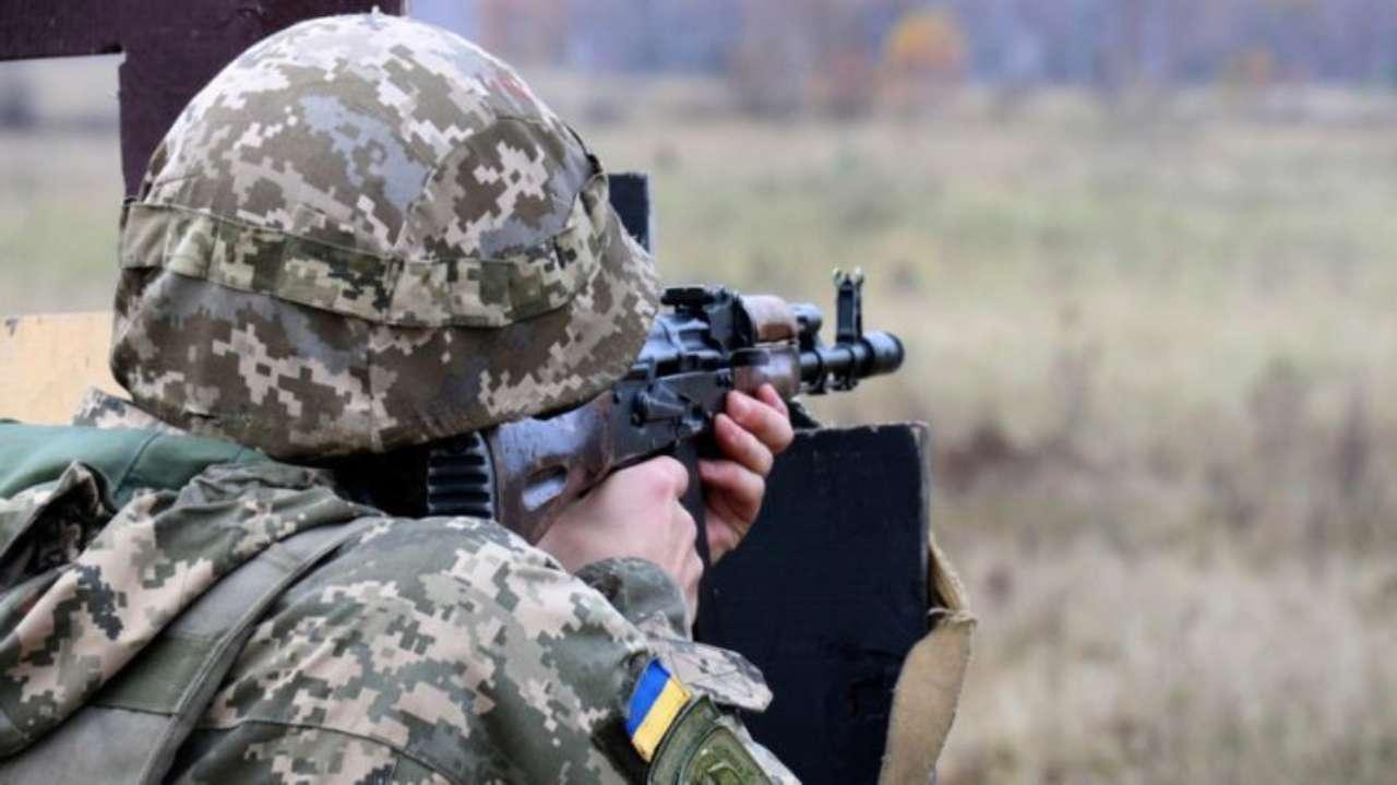 У Донецькій області військовий ЗСУ підірвався на вибухівці