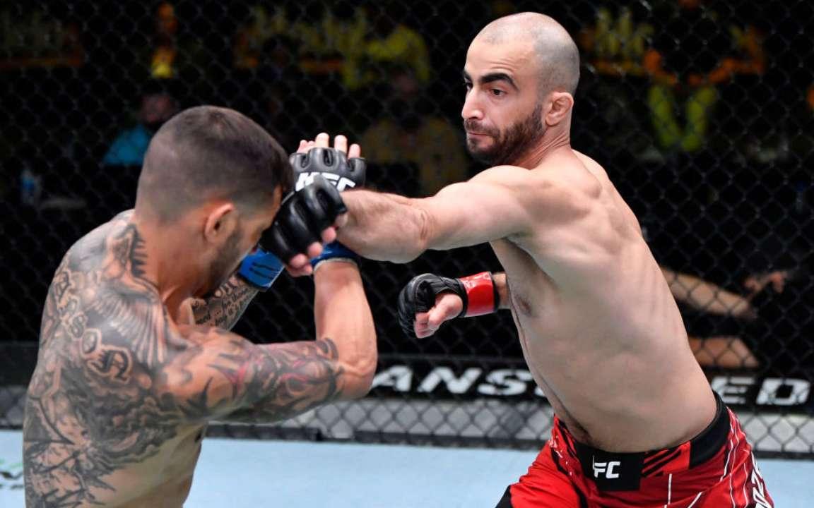 Грузин Гига Чикадзе нокаутировал ветерана UFC Каба Свонсона