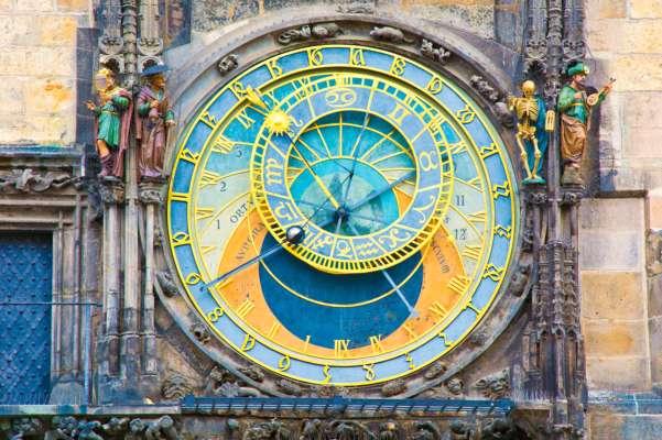 Справжні щасливчики: астрологи назвали знаки Зодіаку, чиї заповітні бажання здійсняться в червні