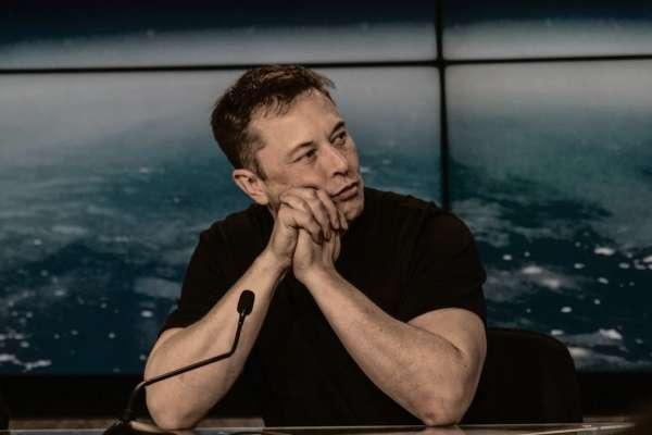 Ілон Маск втратив понад 15 млрд доларів через Bitcoin