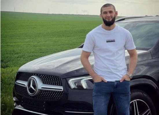 Чімаєв розбив Mercedes-Benz, подарований йому головою Чечні. Відео