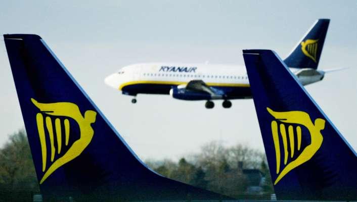Украина прекращает авиасообщение с Беларусью — Шмыгаль