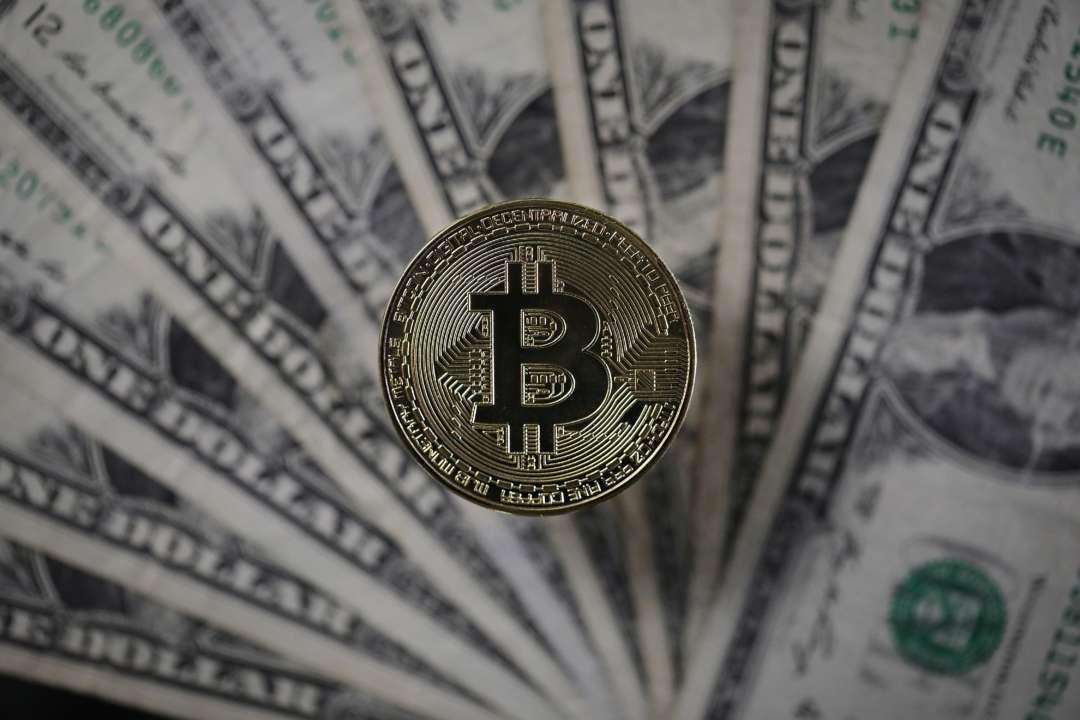 Биткоин вновь стоит дороже 60 тысяч долларов