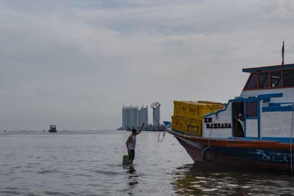 У берегов Бали затонул корабль: на борту судна было полсотни человек