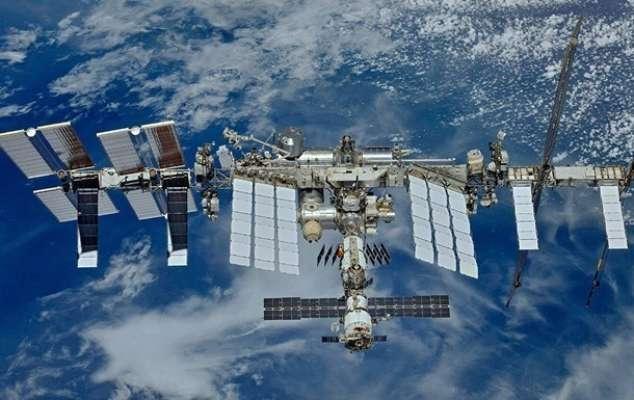 Космический корабль Илона Маска доставит первых туристов на МКС