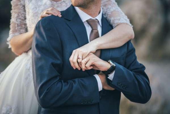 В Британии изменение номеров телефонов в пары привела к романтической свадьбы
