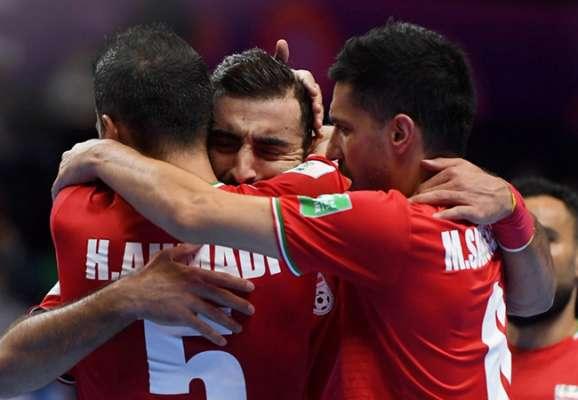ЧМ по футзалу. Иран обыграл Узбекистан в матче с 17 голами. Испания и Португалия прошли в 1/4 финала