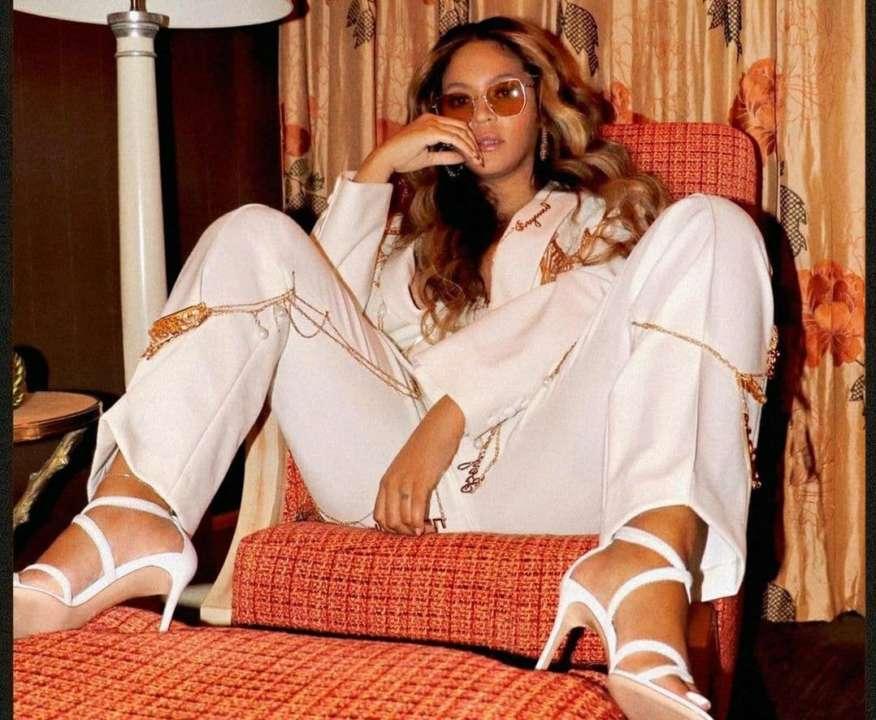 Ось це ноги! Beyonce спричинила фурор у мережі яскравим образом