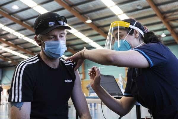 В Минздраве рассказали, можно ли вакцинироваться сразу после Covid-19