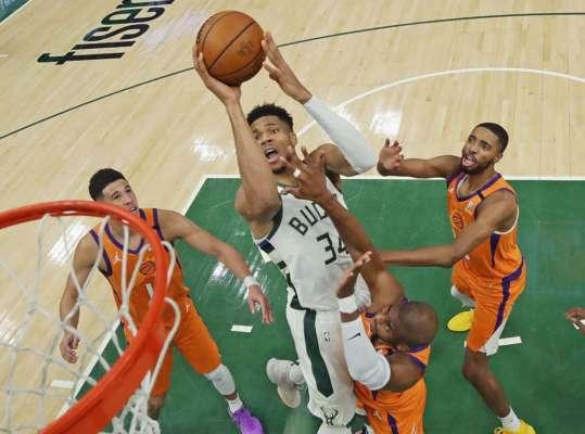 Мілуокі Бакс зрівняли рахунок у фіналі НБА