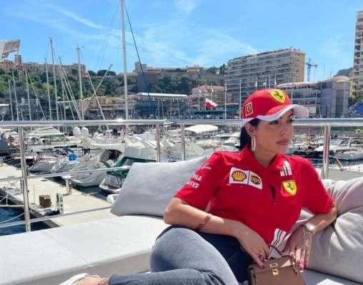 Невеста Роналду — фанатка Ferrari. Фото