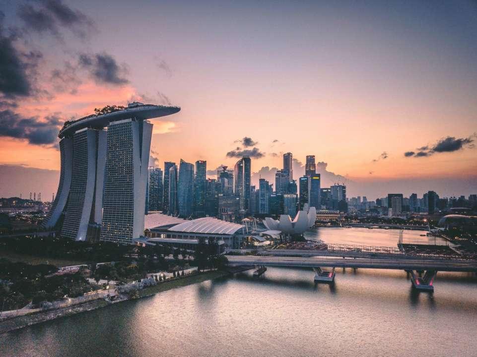 Британская пара отсидит в тюрьме за нарушение карантина в Сингапуре