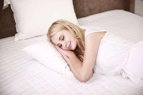 Як правильно спати вдень: поради експерта