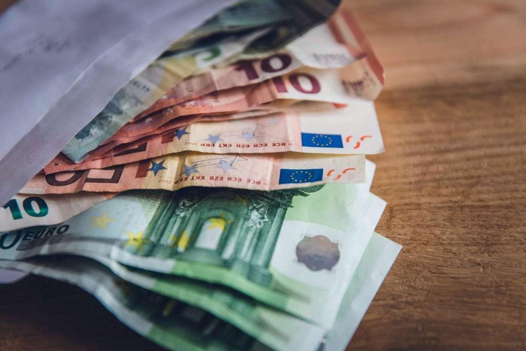 Курс валют на 5 травня: євро і долар подешевшали