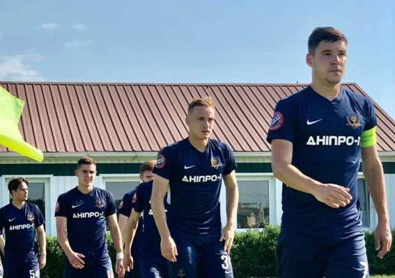 Днепр-1 забил семь мячей в ворота Никополя