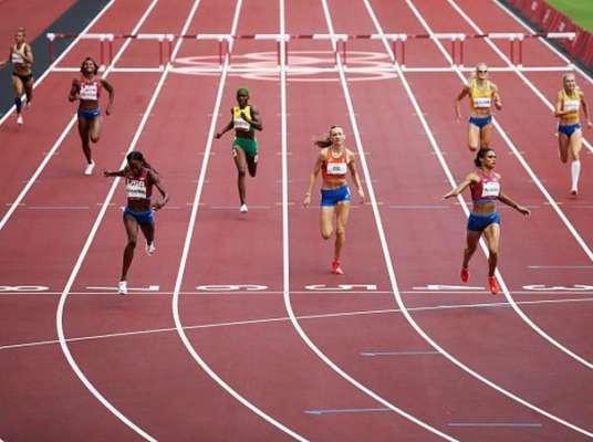 400 м с барьерами. Рыжикова и Ткачук попали в топ-6, американка показала мировой рекорд