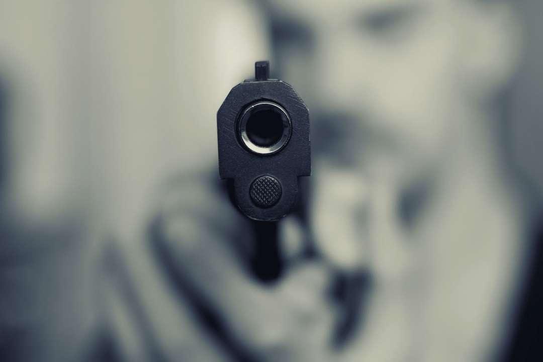 Стрілянина в ТРЦ Києва: чоловік вистрілив в охоронця через зауваження про маску