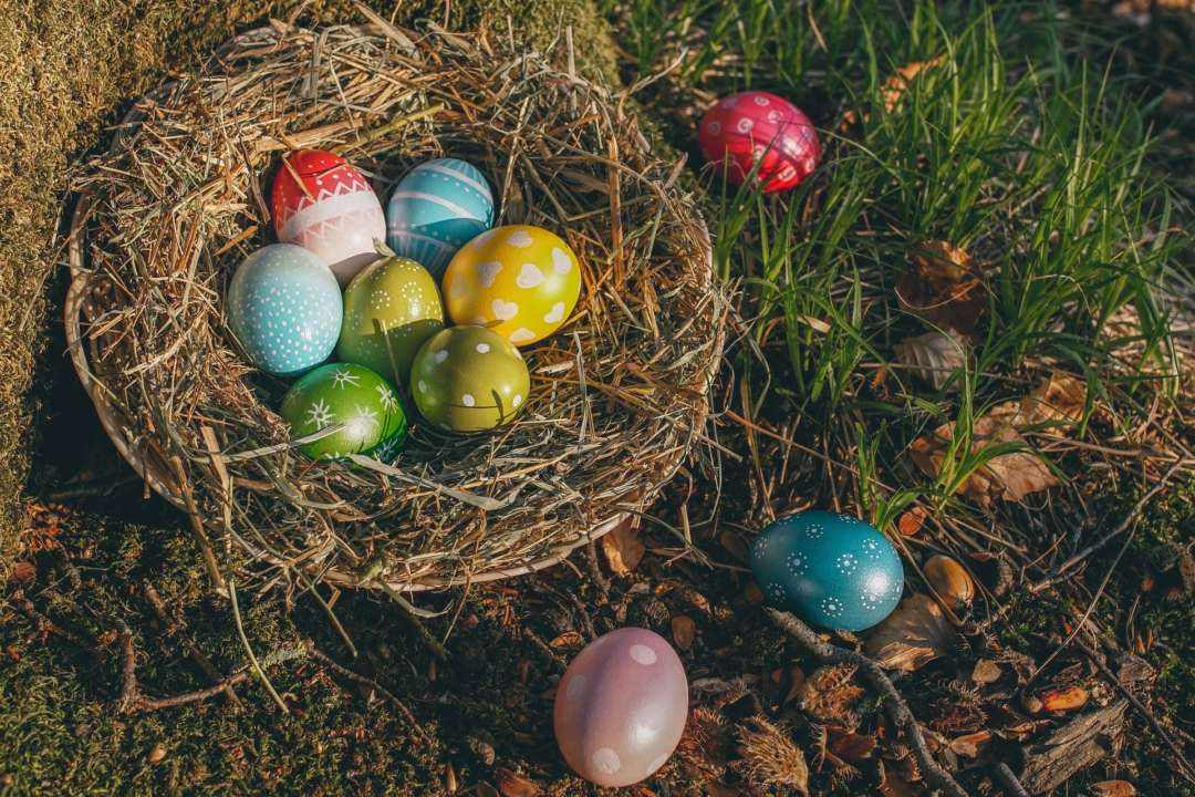 Как разукрасить яйца