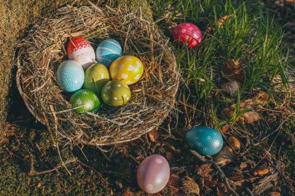 Як розфарбувати яйця