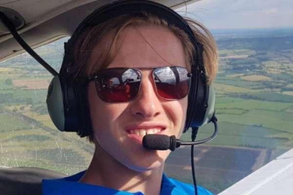 18-летний британец совершил кругосветное путешествие на самолете и попал в Книгу рекордов Гиннеса