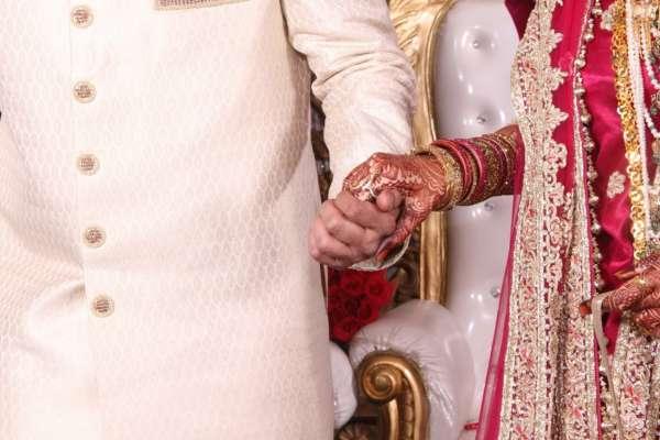 Померлу на весіллі наречену замінила її сестра