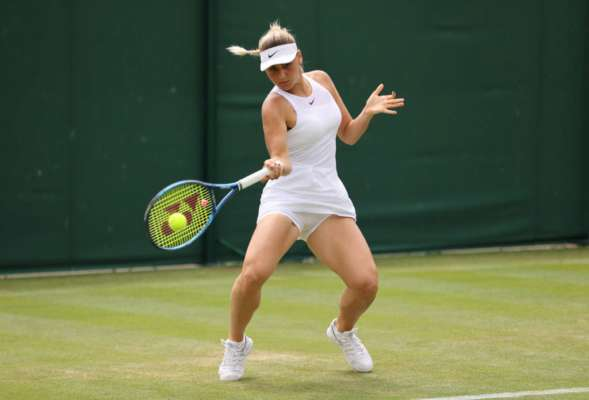 Горячая теннисистка Марта Костюк загорает в Греции. Фото