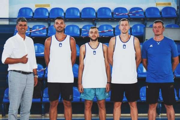 Николаев объявил о подписании троих украинских игроков