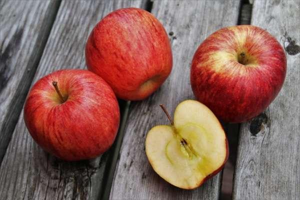 Эксперты назвали полезные свойства яблок, которые мало кто знает