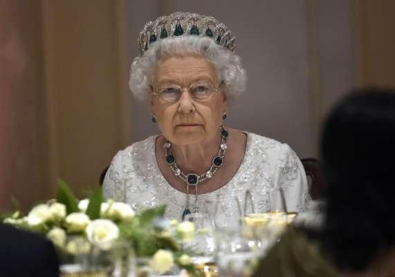 Колишній шеф-кухар Єлизавета II розповів, що королева любить бургери