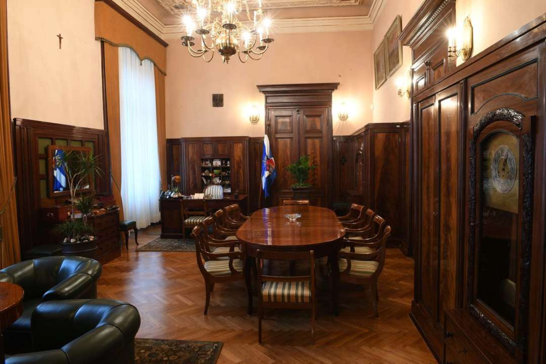 Президента Кракова оштрафували за куріння на роботі