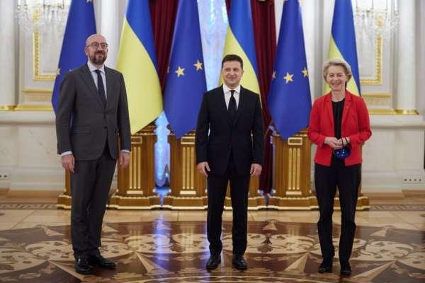 """Украина подписала с ЕС соглашение об """"открытом небе"""""""