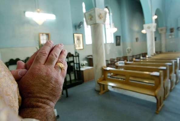 в Италии священник развлекался на деньги прихожан