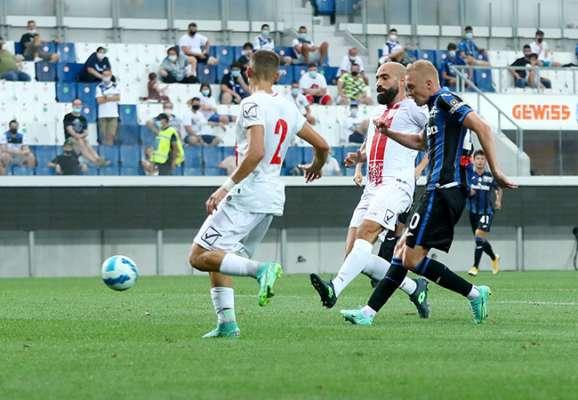 Коваленко забил победный гол за Аталанту в товарищеском матче