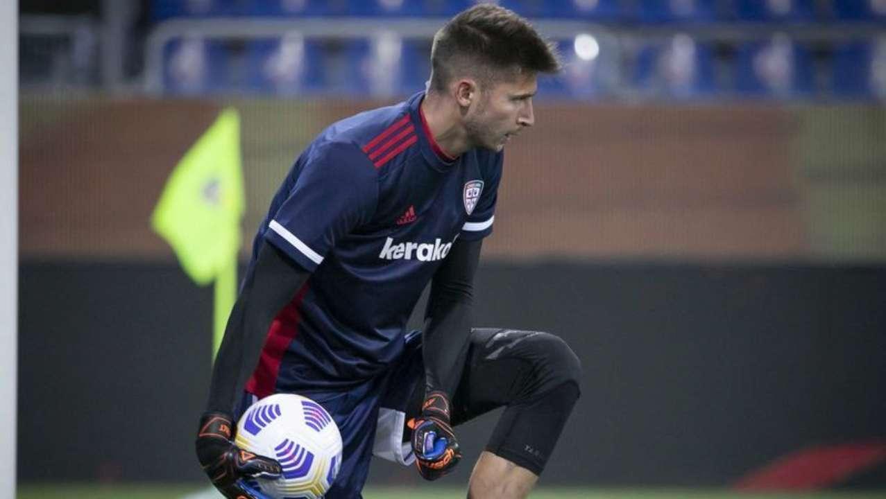 Кальяри в компенсированное время забил два гола и вырвал победу над Пармой