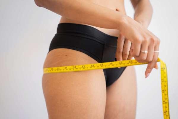 В якому віці люди найбільше схильні до набору зайвої ваги
